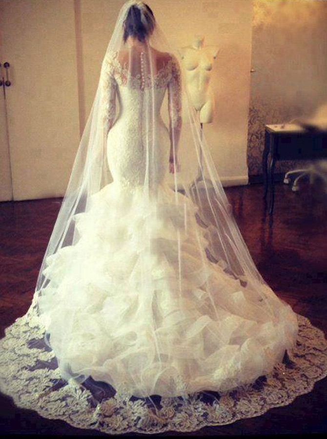 Honorable Scalloped-Edge Sweep Train Long Sleeves Mermaid Wedding Dress with Lace Top фото