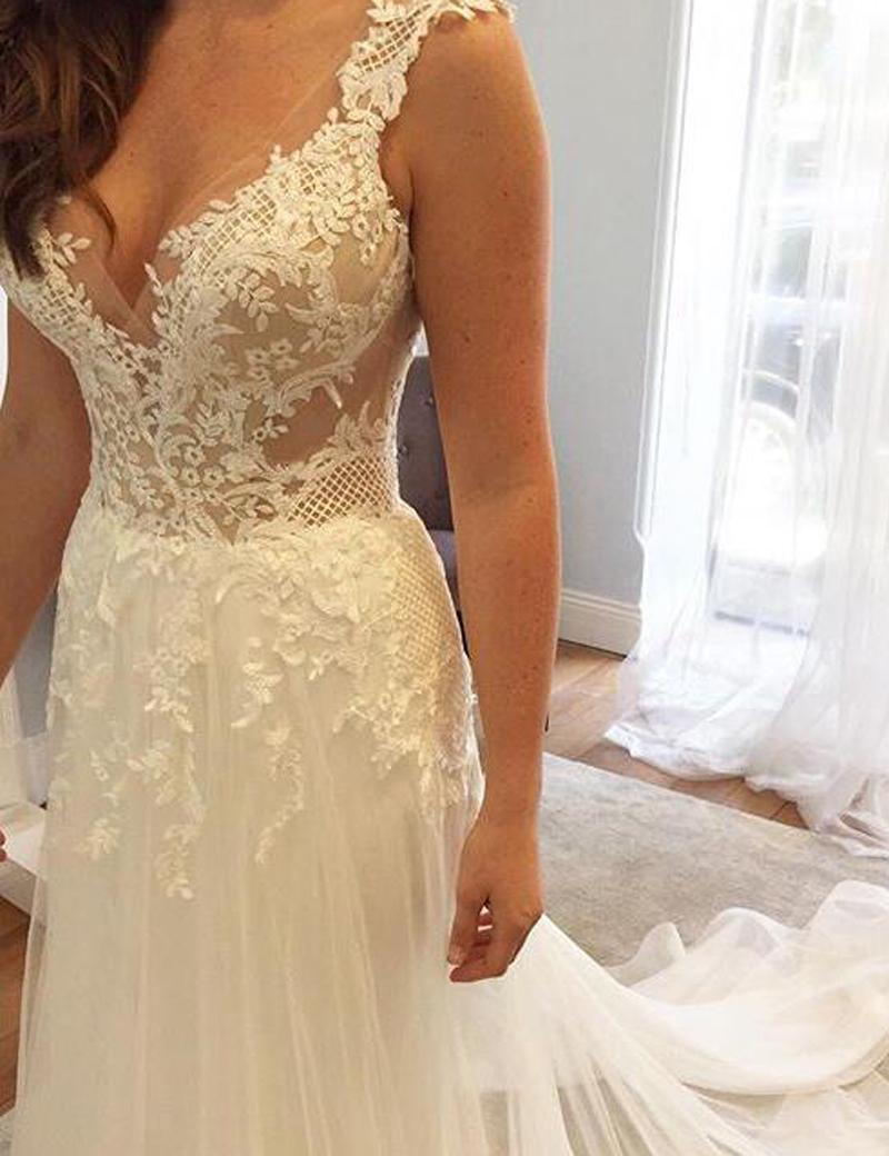 Elegant V-Neck Sleeveless Court Train Appliques Wedding Dress with Lace, Ivory
