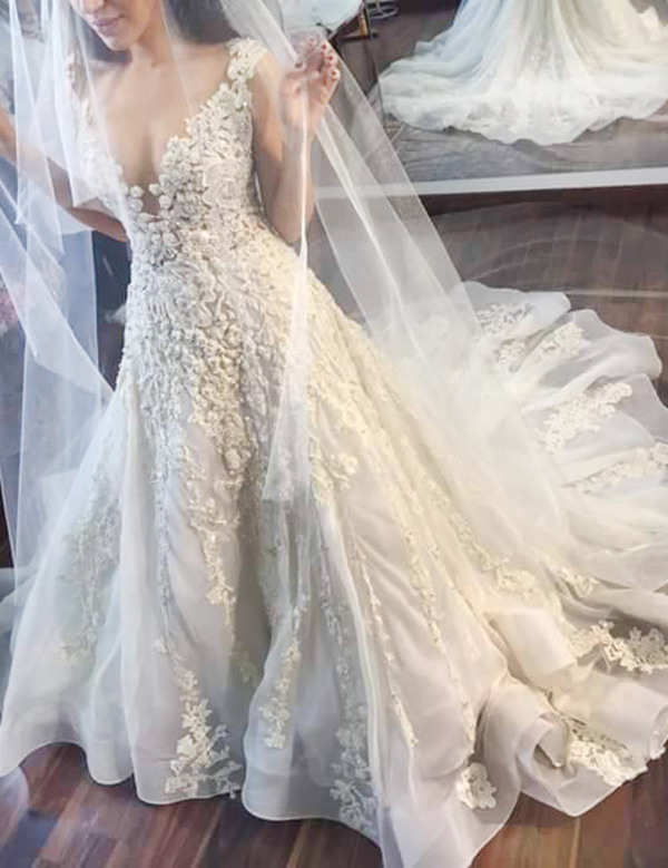 A-line Jewel Illusion Back Court Train Wedding Dress with Lace Appliques фото
