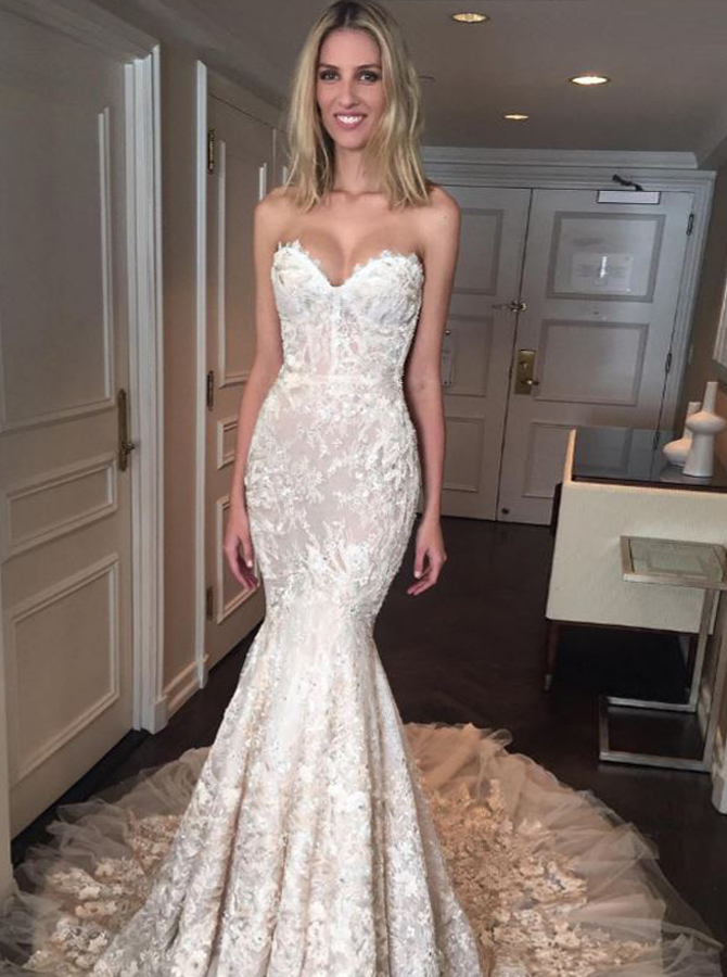 Mermaid Sweetheart Court Train Wedding Dress with Lace Appliques фото
