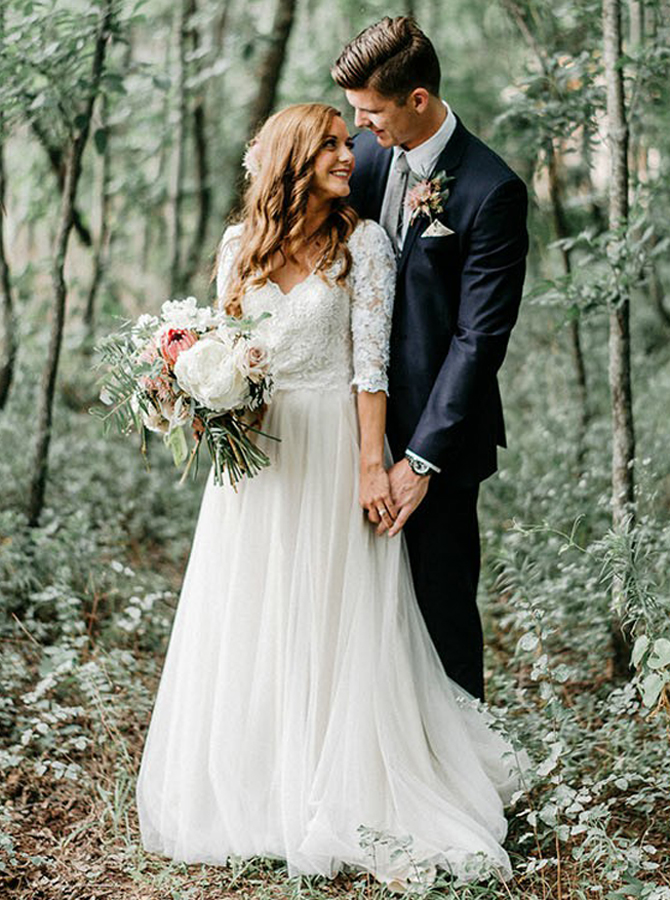 A-Line V-Neck Half Sleeves Backless Tulle Wedding Dress with Appliques фото