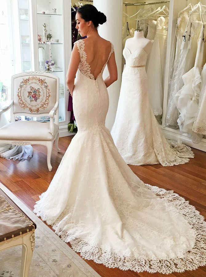 Mermaid V-Neck Court Train Lace Wedding Dress with Appliques фото