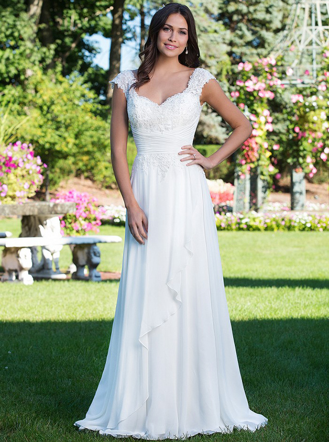 A-Line Scoop Cap Sleeves Chiffon Beach Wedding Dress with Lace Ruffles фото