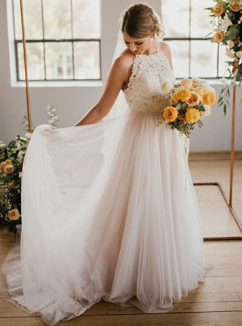 A-Line Round Neck Sweep Train Tulle Wedding Dress with Lace, White