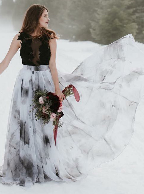 A-Line Round Neck Sweep Train Floral Wedding Dress фото