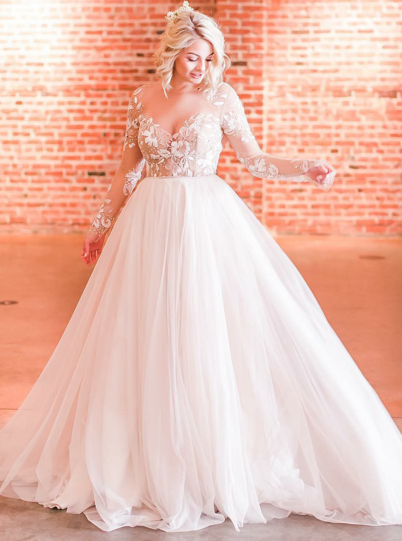 A-Line Scoop Long Sleeves Tulle Wedding Dress with Appliques фото