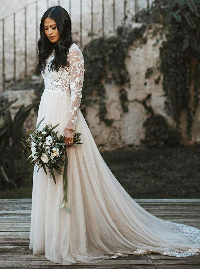 A-Line Bateau Long Sleeves Tulle Wedding Dress with Appliques фото
