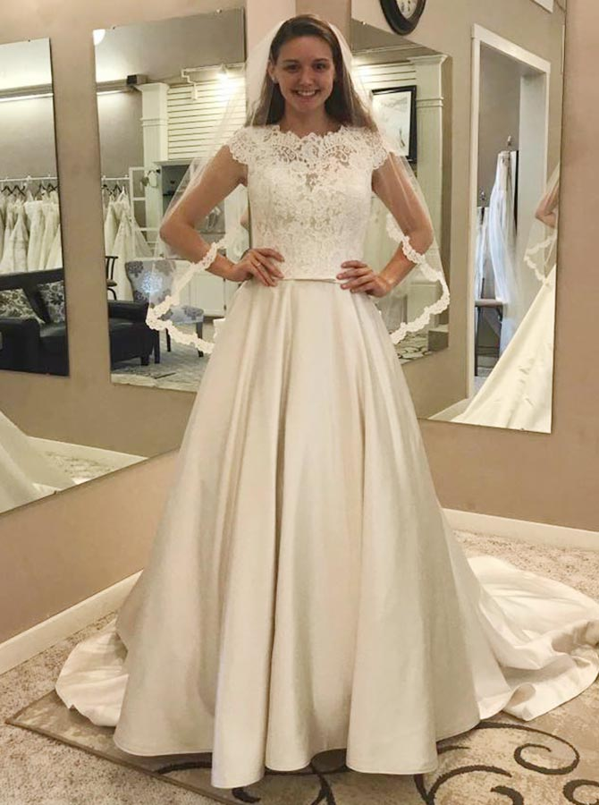 A-Line Round Neck Satin Wedding Dress with Lace Pockets фото
