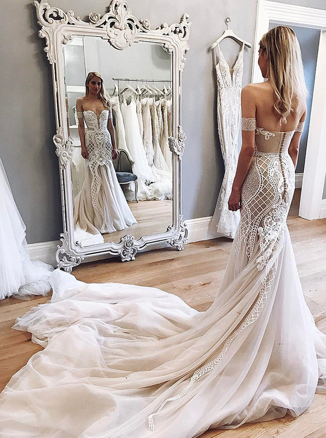 Mermaid Off-the-Shoulder Chapel Train Champagne Tulle Wedding Dress with Appliques фото