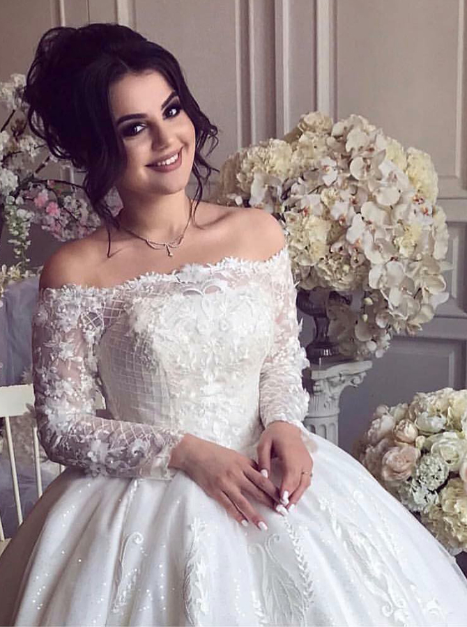 Ball Gown Off-the-Shoulder Long Sleeves Wedding Dress with Appliques, White