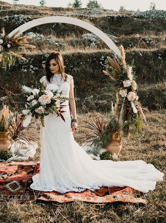 Sheath Bateau Court Train Backless Lace Wedding Dress with Sash, White