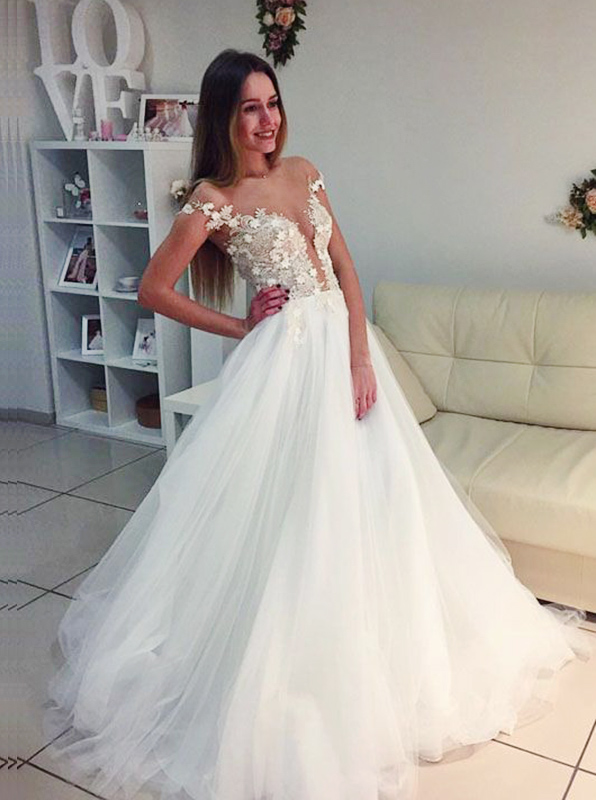 A-Line Off-the-Shoulder Court Train Ivory Tulle Wedding Dress with Appliques фото