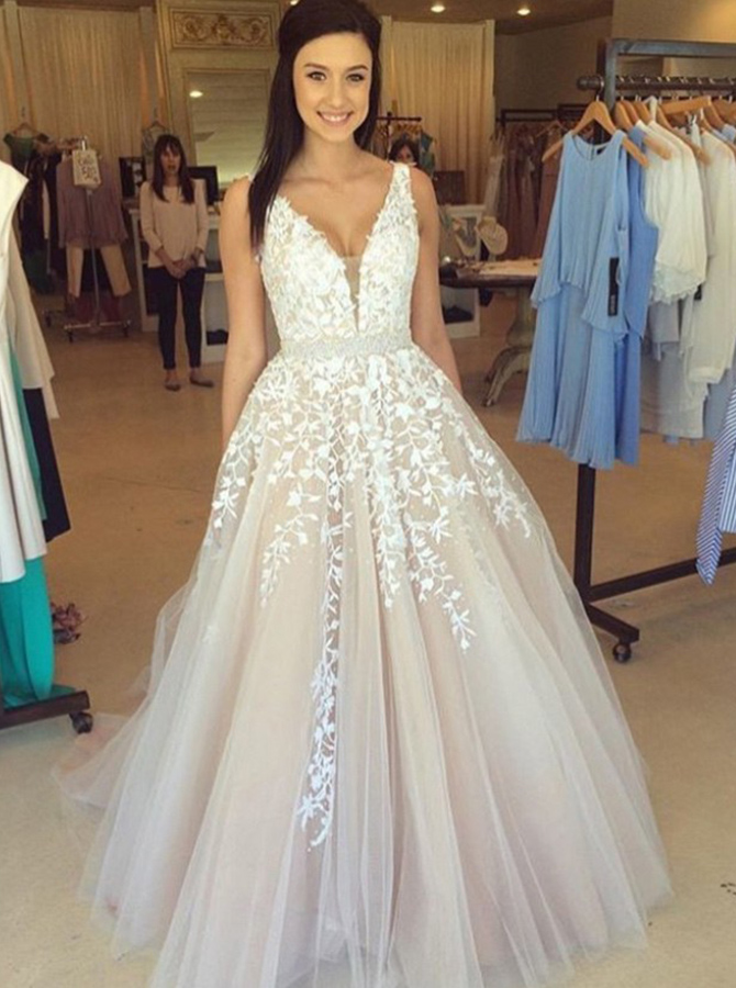 Simple-dress / A-Line V-Neck Sweep Train Champagne Tulle Prom Dress with Appliques Beading
