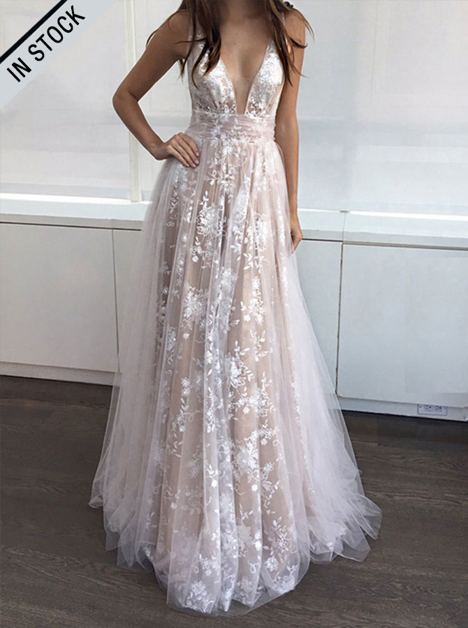A-Line Deep V-Neck Floor-Length Sleeveless Champagne Tulle Prom Dress фото