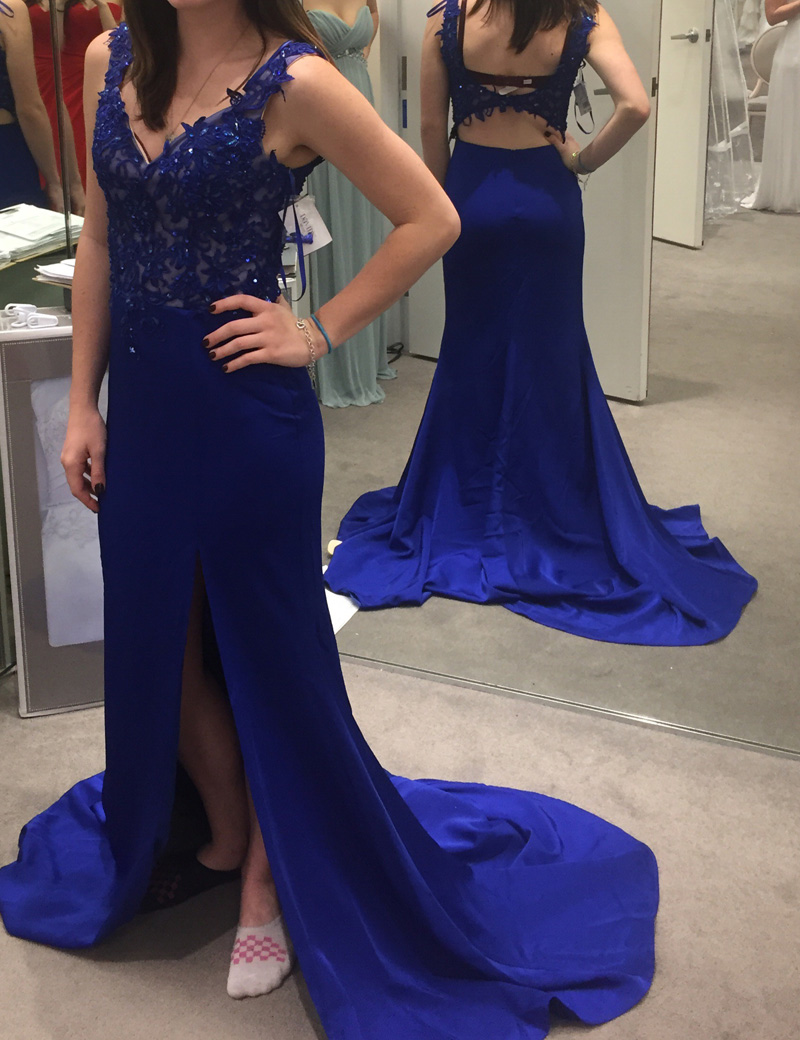 Sheath V-Neck Sweep Train Open Back Royal Blue Prom Dress with Appliques фото