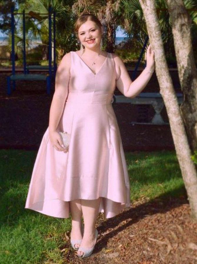 A-Line V-Neck Pink Satin Plus Size Prom Dress фото