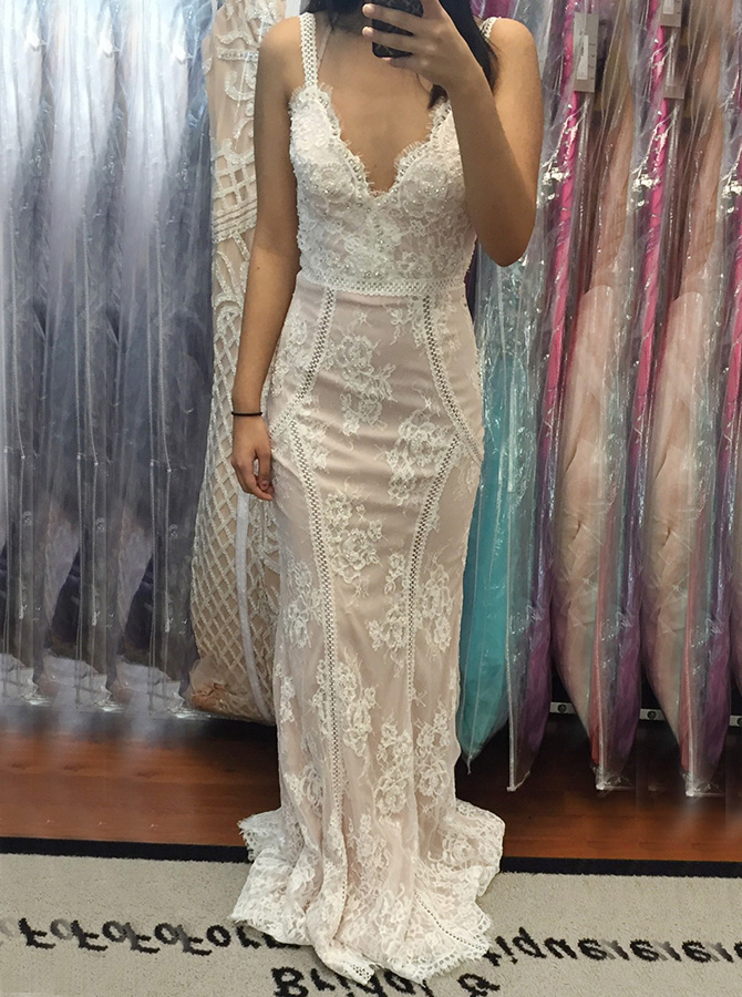 Mermaid Spaghetti Straps Sweep Train Champagne Lace Prom Dress with Appliques фото