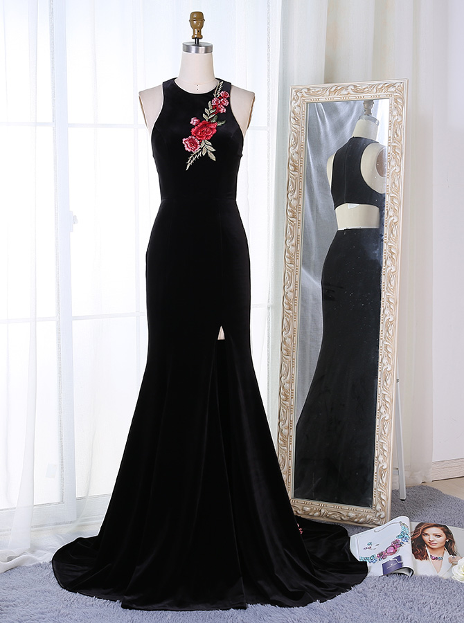 Sheath Round Neck Black Velvet Cut-Out Back Prom Dress with Appliques