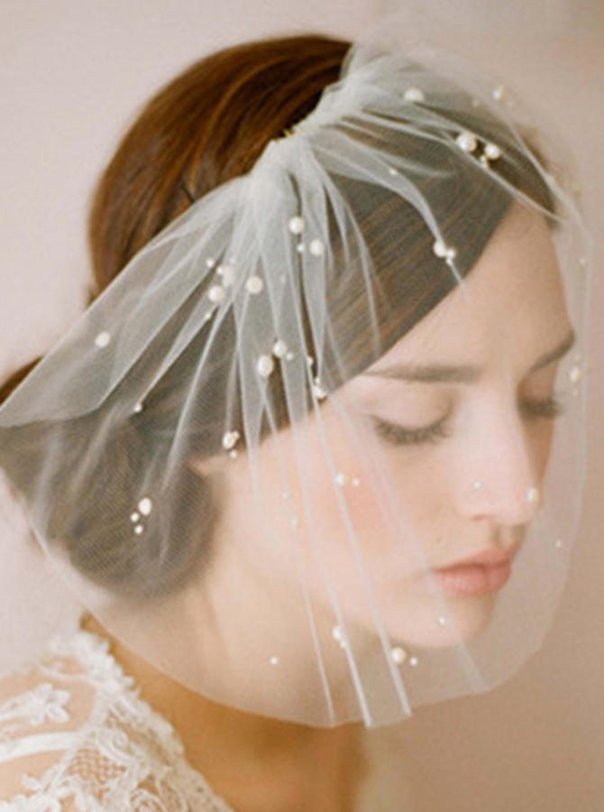 One-tier Cut Edge Blusher Veils With Imitation Pearls фото