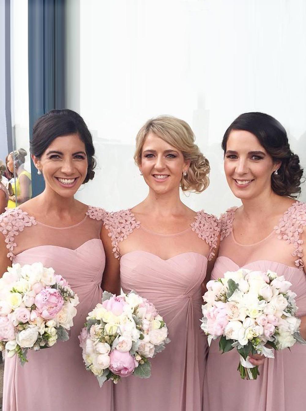 Elegant Scoop Cap Sleeves Floor-Length Bridesmaid Dress with Appliques Ruched фото