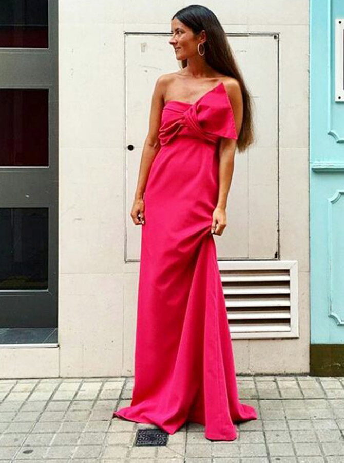 A-Line Strapless Sweep Train Red Chiffon Bridesmaid Dress with Bowknot фото