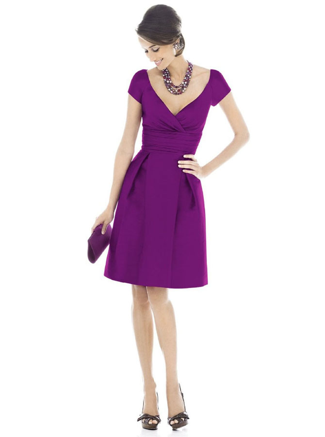 Generous V-neck Short Sleeves Short Purple Mother of the Bride Dress Ruched