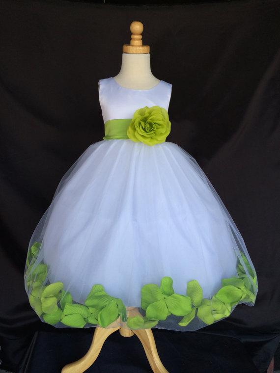 Elegant A-line Scoop Sleeveless Tulle With Handmade Flowers Dress Flower Girl Dress thumbnail