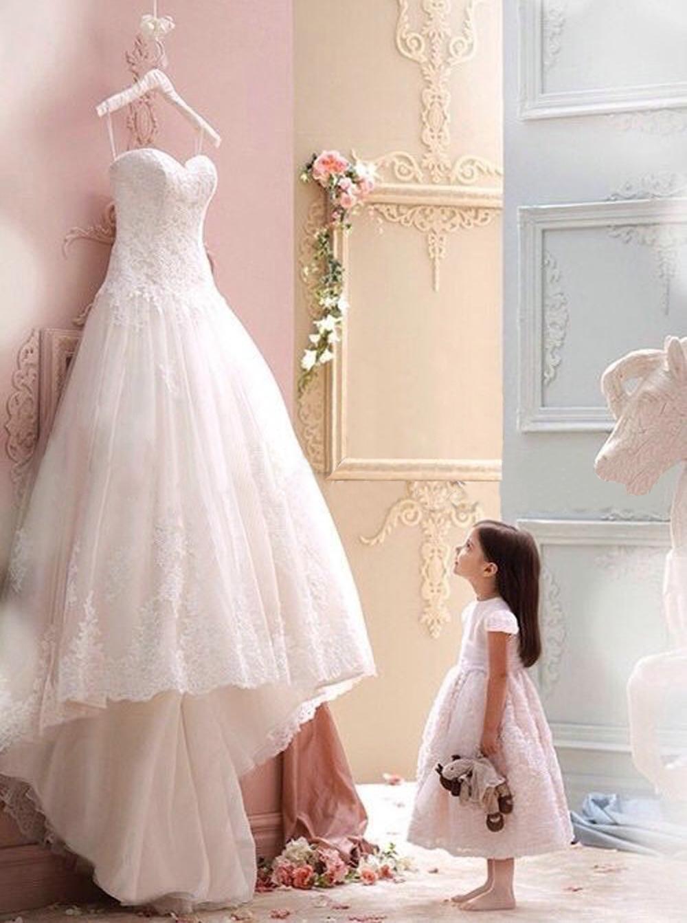 Elegant Sweetheart A-line Long White Lace Wedding Dress /Bridal Gown