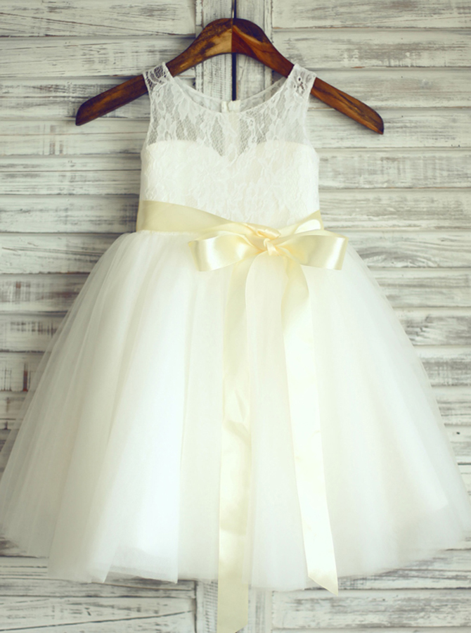 Simple-dress / A-Line Round Neck White Flower Girl Dress with Lace Sash