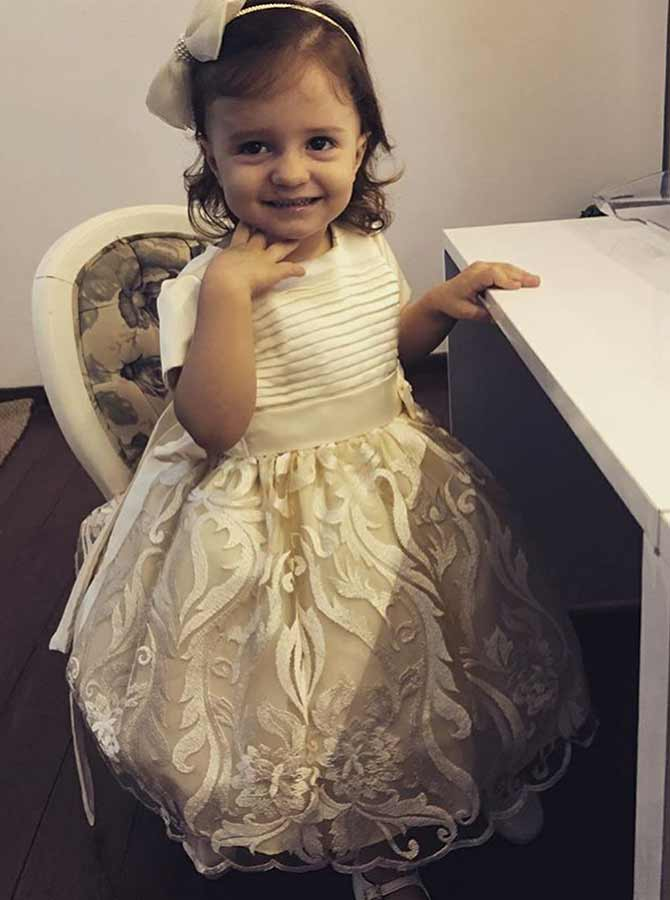 A-Line Round Neck Light Champagne Lace Flower Girl Dress фото