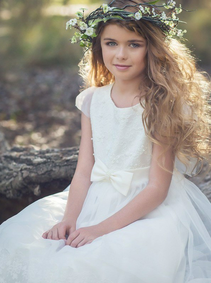 A-Line Round Neck White Tulle Flower Girl Dress with Lace Bowknot фото