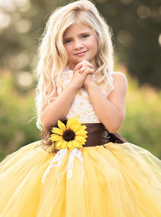 Simple-dress / Ball Gown Round Neck Yellow Tulle Flower Girl Dress with Lace Flower