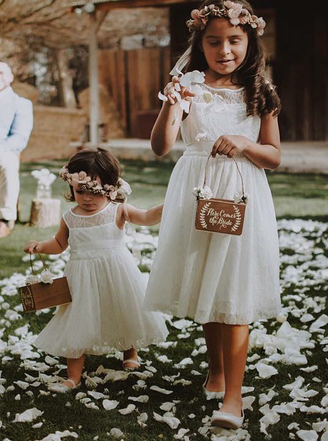 A-Line Round Neck White Lace Flower Girl Dress with Sash фото