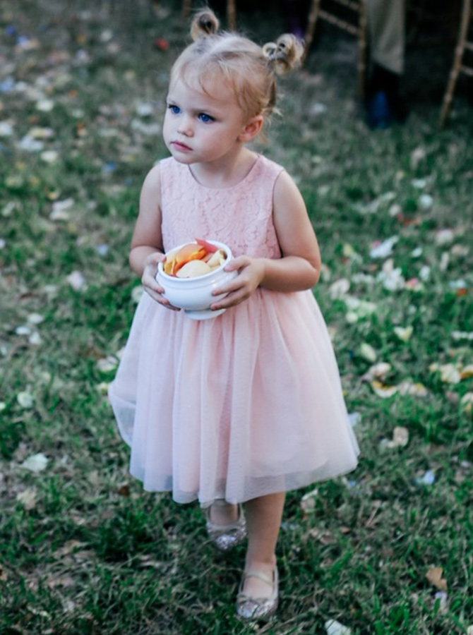 Simple-dress / A-Line Round Neck Pink Tulle Flower Girl Dress with Lace
