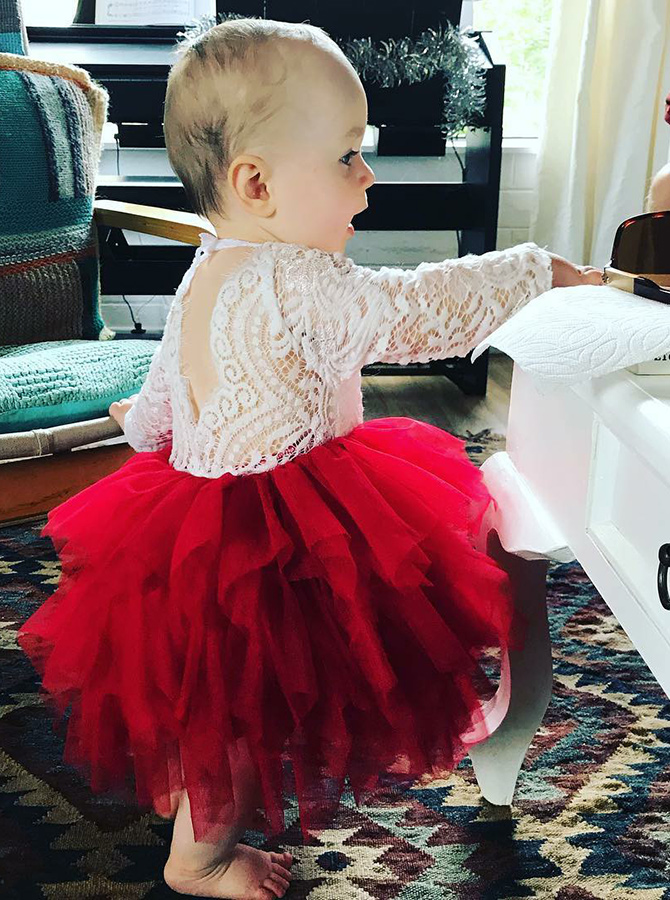 A-Line Round Neck Long Sleeves Red Tulle Flower Girl Dress with Lace фото