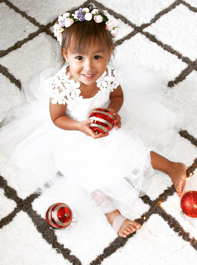 Simple-dress / A-Line Round Neck White Tulle Flower Girl Dress with Lace