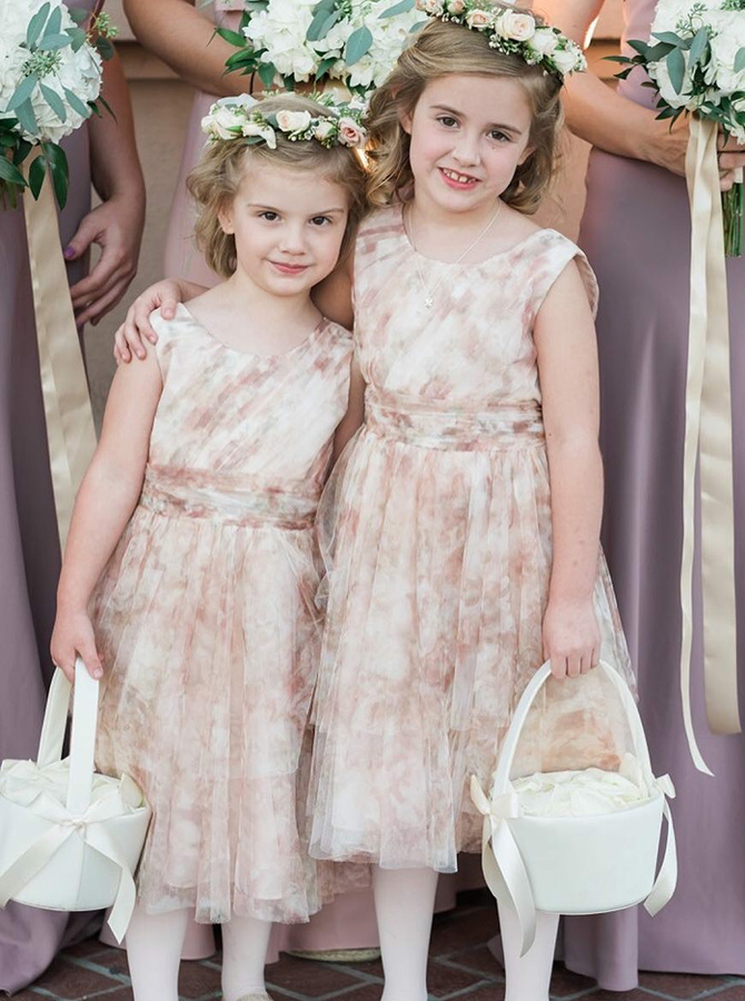 A-Line Round Neck Light Champagne Tulle Flower Girl Dress фото