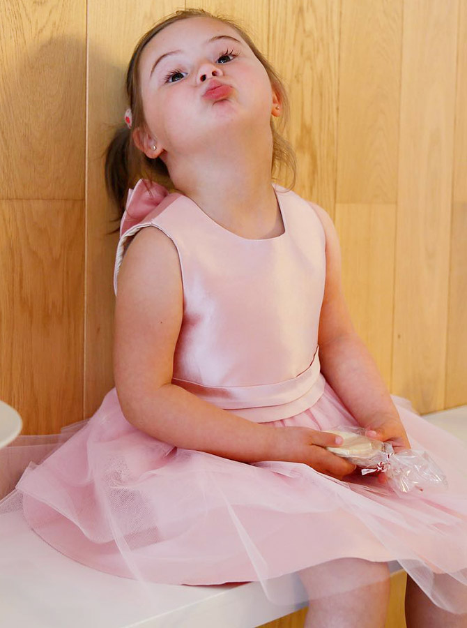 A-Line Round Neck Sleeveless Pink Tulle Flower Girl Dress with Bowknot