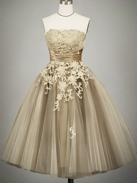 Vintage Ball Gown Strapless Tulle Tea-Length Lace-up Lace Homecoming Dress, Champagne