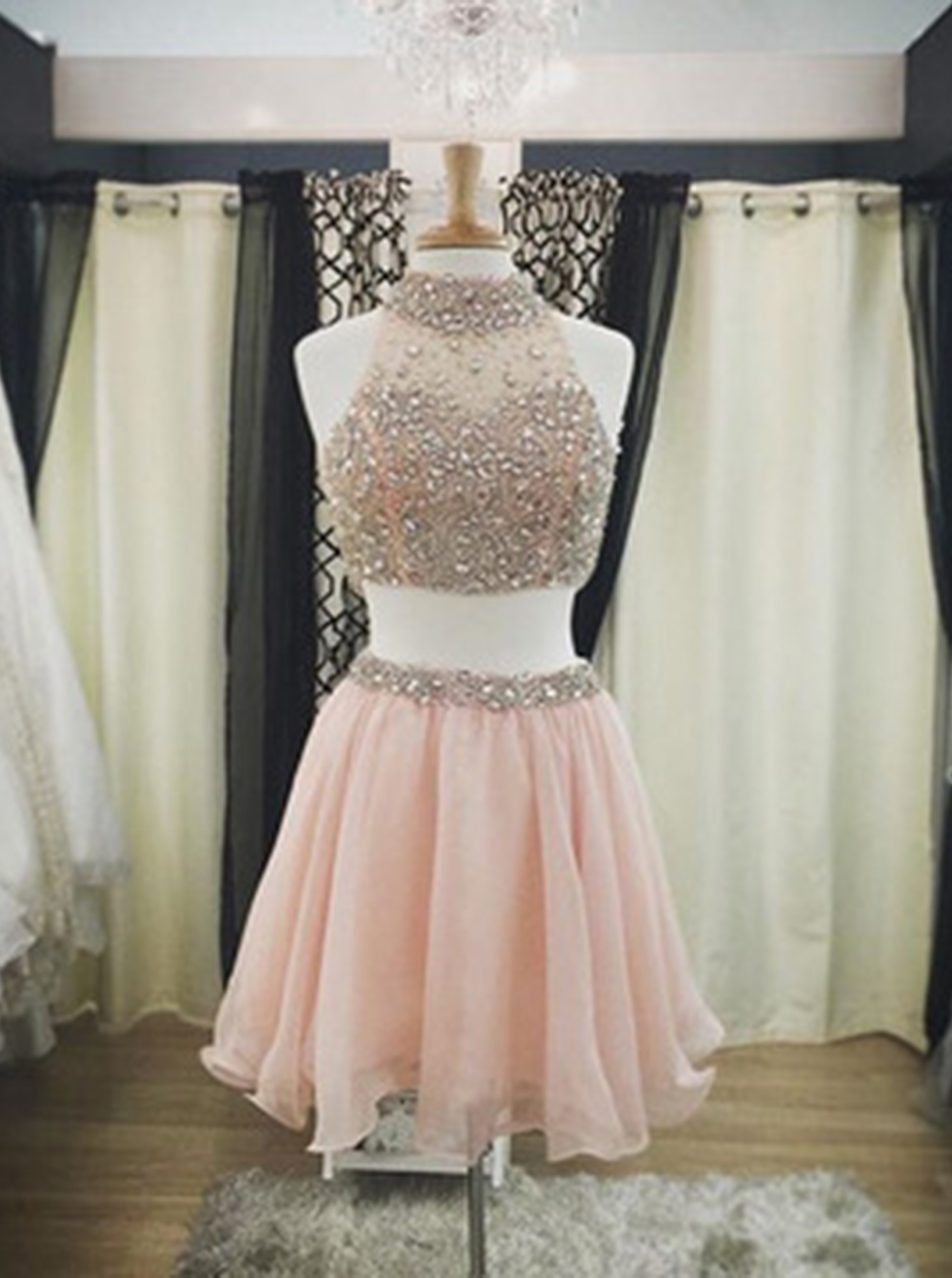 Hot-selling High Neck Two-piece Short Pink Homecoming Dress with Beading Open Back фото