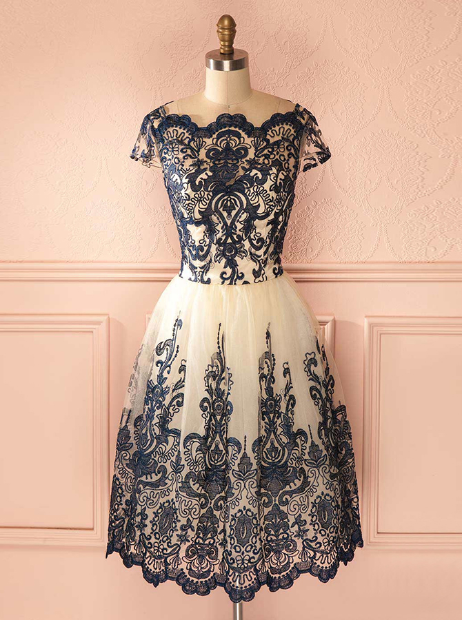 A-Line Bateau Tea-Length Cap Sleeves Ivory Tulle Homecoming Dress with Black Appliques фото