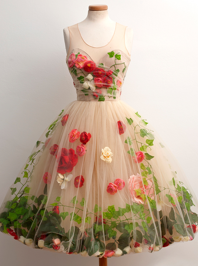 A-Line Scoop Knee-Length Open Back Champagne Tulle Homecoming Dress with Red Flowers фото