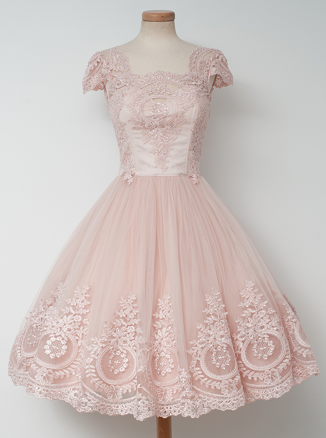Simple-dress / A-Line Square Knee-Length Cap Sleeves Pearl Pink Tulle Homeocming Dress with Appliques