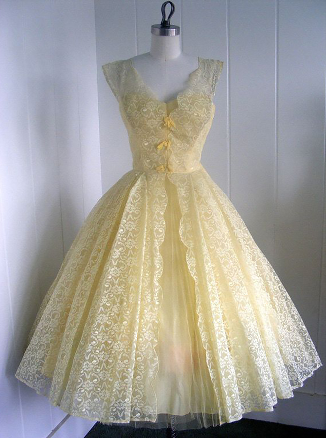 A-Line V-Neck Cap Sleeves Tea-Length Yellow Lace Homecoming Dress With Bowknot