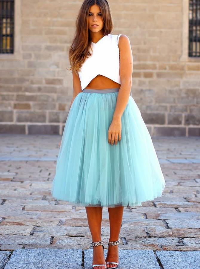 Two-Piece V-Neck Tea-Length Sleeveless Blue Tulle Homecoming Dress фото