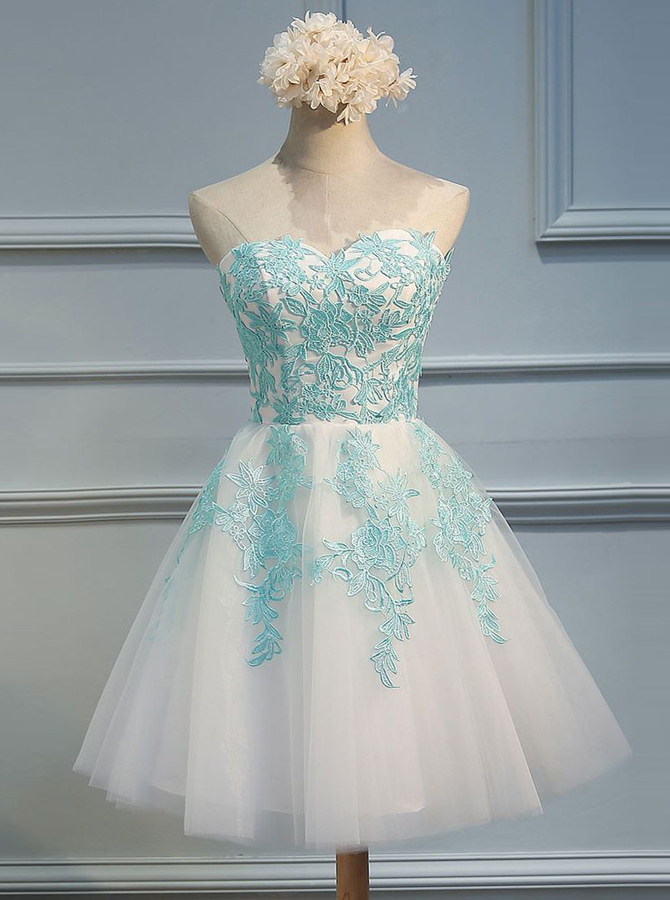 A-Line Sweetheart Short White Tulle Homecoming Dress with Appliques фото