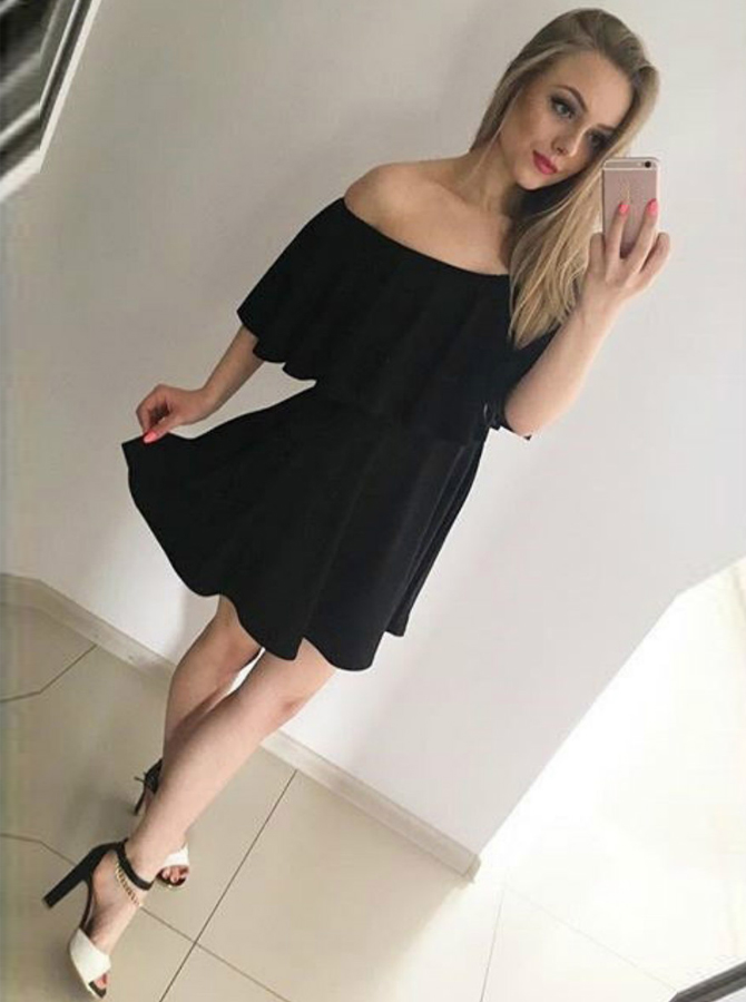 A-Line Off-the-Shoulder Satin Chiffon Little Black Dress with Ruffle фото