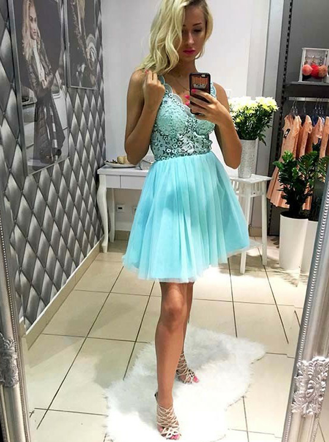 A-Line V-Neck Short Mint Green Tulle Homecoming Dress with Lace фото