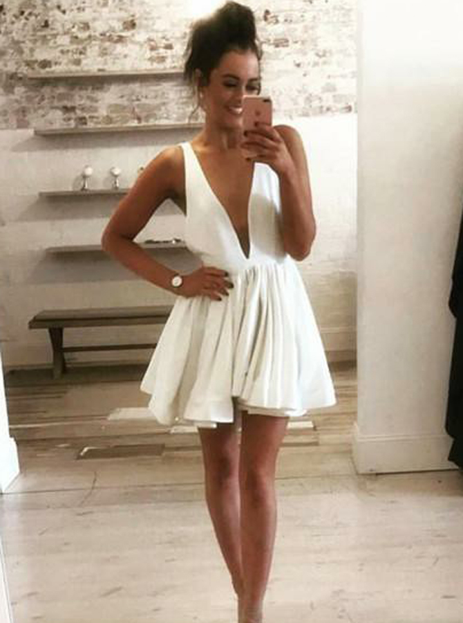 A-Line Deep V-Neck Backless Short White Satin Homecoming Dress фото