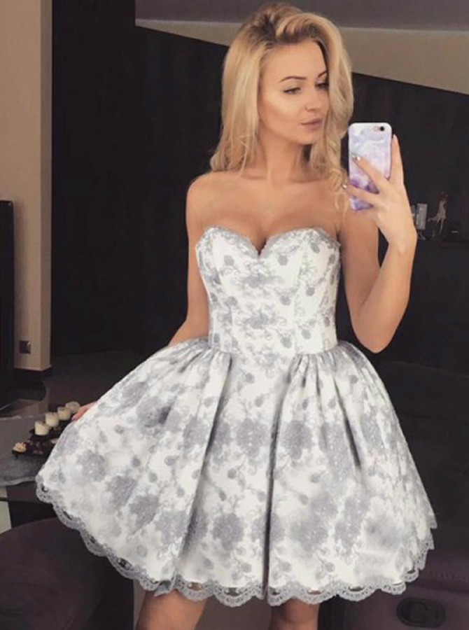 Simple-dress / Ball Gown Sweetheart Short Light Grey Lace Homecoming Dress
